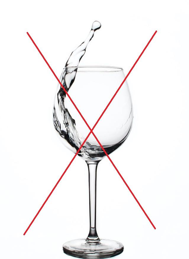 Bicchiere di vetro barrato